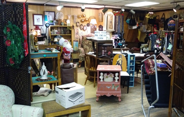 eclectic crafts room vintage golden nugget antique flea market eclectic crafts